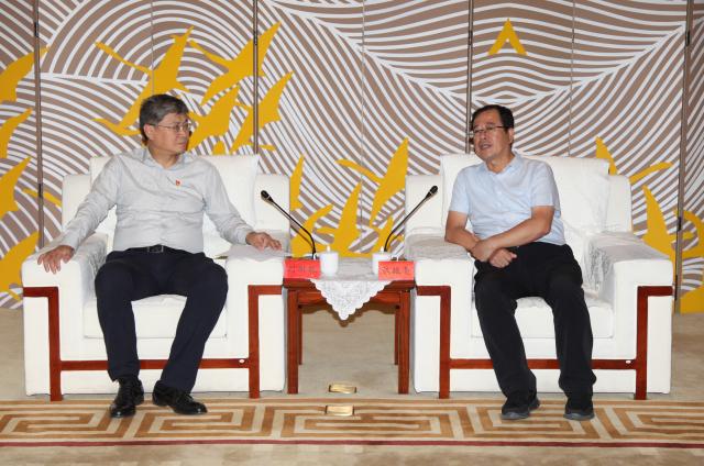 陈振亮与国家能源集团总经理刘国跃座谈
