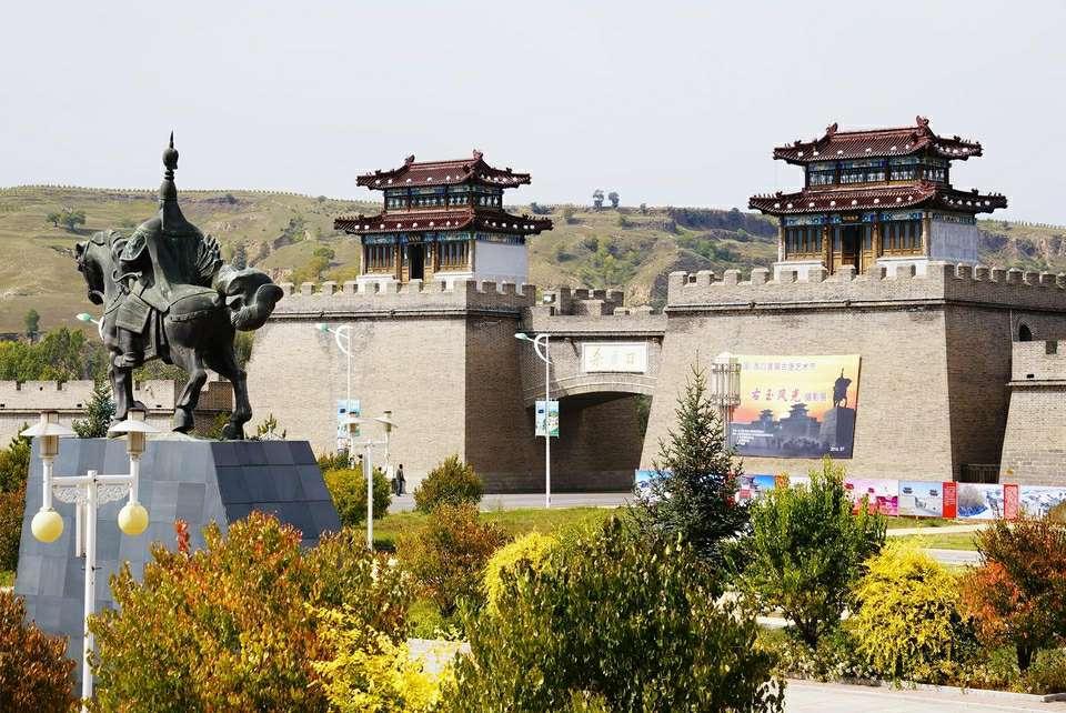 游在朔州 旅游景点                            杀虎口位于右玉县